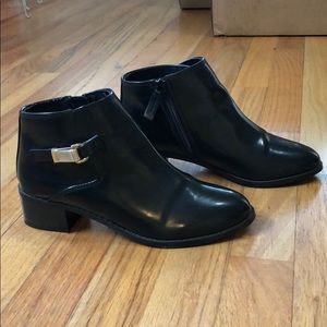 Pull & Bear Black Ankle Boots size 6